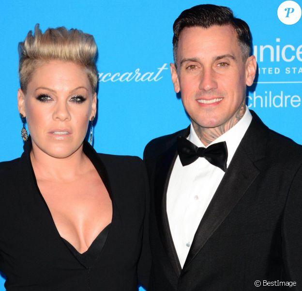 Pink et son mari Carey Hart - People à la soirée UNICEF Snowflake Ball à New York le 1er décembre 2015.
