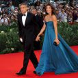 George Clooney et sa compagne Elisabetta Canalis arrivent main dans la main pour la projection de  The Men Who Stare at Goats , le 8 septembre 2009 à la Mostra de Venise