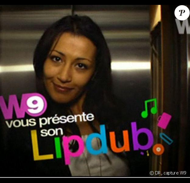 """Karima Charni dans le """"lipdub"""" de W9 (clin d'oeil pour la date du 9/09/09 à...9h09)"""
