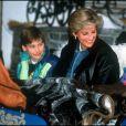 Diana et ses fils William et Harry en vacances à Lech en 1993.