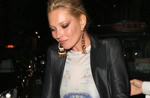 Kate Moss, très... mais alors très courtement vêtue, a encore fait... très fort hier soir !