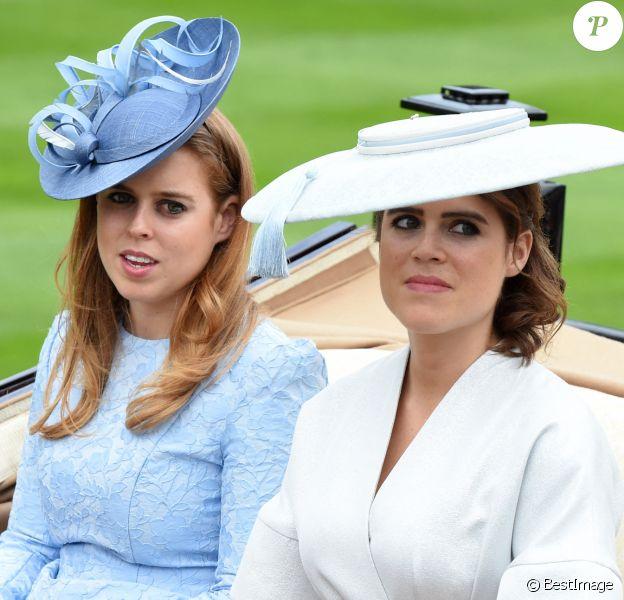 La princesse Beatrice et la princesse Eugenie d'York - La famille royale d'Angleterre à son arrivée à Ascot pour les courses hippiques. Le 19 juin 2018
