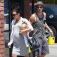 Exclusif - Naya Rivera, enceinte et son mari Ryan Dorsey sont allés faire des courses dans une quincaillerie à Los Angeles le 20 juin 2015