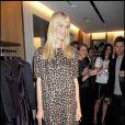 Claudia Schiffer à la nuit de la mode à Londres le 10/10/09