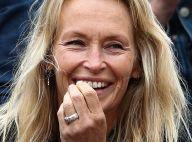 Estelle Lefébure : Taclée sur ses seins, elle réplique avec le sourire