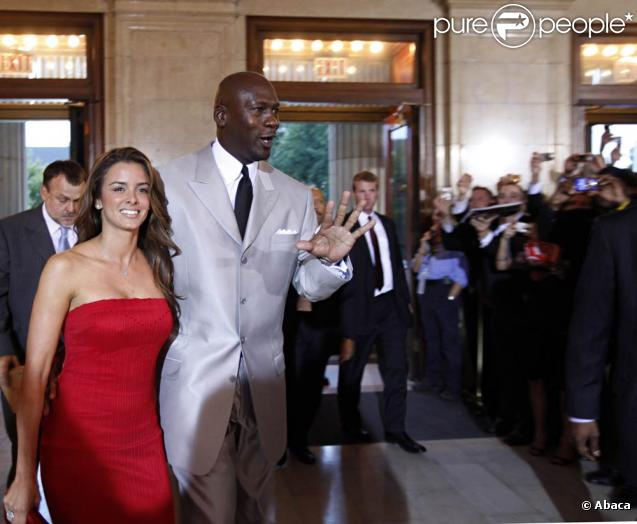 Michael Jordan, ici avec Yvette Prieto, a été intronisé au Hall of Fame vendredi 11 septembre 2009