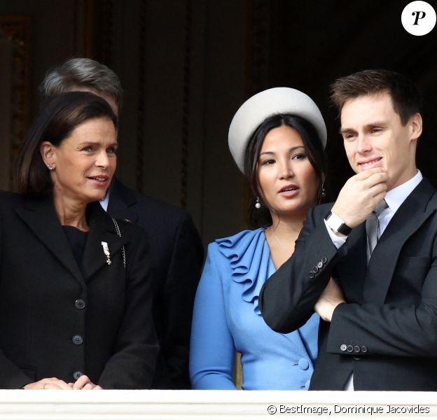 La princesse Stéphanie de Monaco, son fils Louis Ducruet et sa femme Marie Chevallier - La famille princière de Monaco au balcon du palais lors de la Fête nationale monégasque à Monaco. Le 19 novembre 2019 © Dominique Jacovides / Bestimage