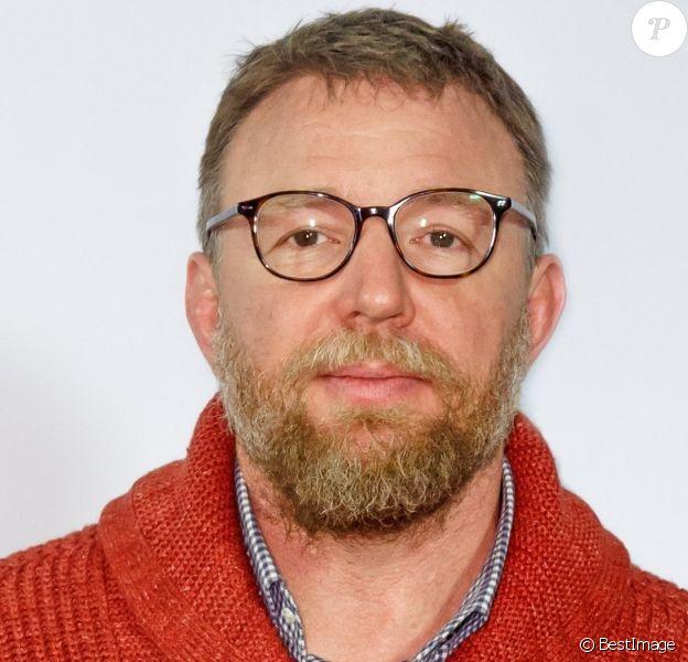 """Le réalisateur britannique Guy Ritchie présente son nouveau film """"The Gentlemen"""" à la soirée """"Social Movie Night"""" à Berlin, le 11 février 2020."""