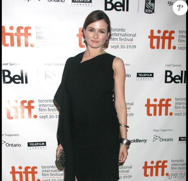 Emily Mortimer très enceinte, lors de la présentation de Harry Brown, au Festival International du Film de Toronto, le 12 septembre 2009 !