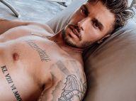 Baptiste Giabiconi : Entièrement nu sous le soleil, il profite de ses vacances