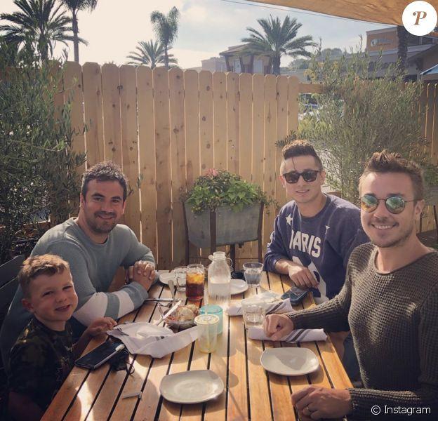 Alex Goude a retrouvé son fils Elliot en Californie, en juillet 2020. Son ex-mari Romain Taillandier et le nouvel amoureux de ce dernier, Junior Velzquez, étaient de la partie.