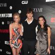 Sara Paxton, Ashton Kutcher et Demi Moore posent lors de la soirée The Beautiful Life organisée par CW au Simyone Lounge le 12 septembre 2009 à New-York