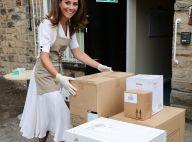 Kate Middleton : Angélique en robe blanche pour porter des cartons