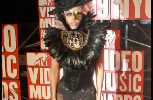 Lady Gaga au défilé Marc Jacobs... Découvrez son nouveau look encore plus... fou !