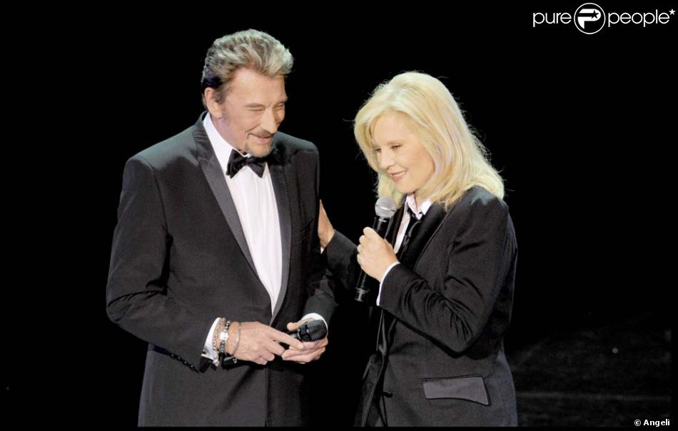 sylvie vartan et johnny hallyday en duo l 39 olympia le 19 septembre 2009 purepeople. Black Bedroom Furniture Sets. Home Design Ideas