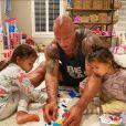 Dwayne Johnson et ses deux filles, Jasmine et Tiana. Juillet 2020.
