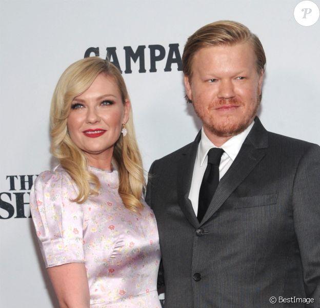 """Jesse Plemons et sa fiancée Kirsten Dunst à la première de """"The Irishman"""" lors du 57e Festival du Film de New York."""