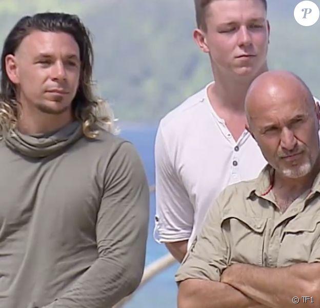 """L'équipe des verts représentant l'Est lors du premier épisode de """"Koh-Lanta, Les 4 Terres"""""""