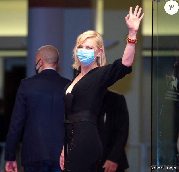 """Cate Blanchett sur le tapis rouge du film """"Les Amants sacrifiés"""" lors de la 77ème édition du Festival international du film de Venise, la Mostra © Imagespace / Zuma Press / Bestimage"""