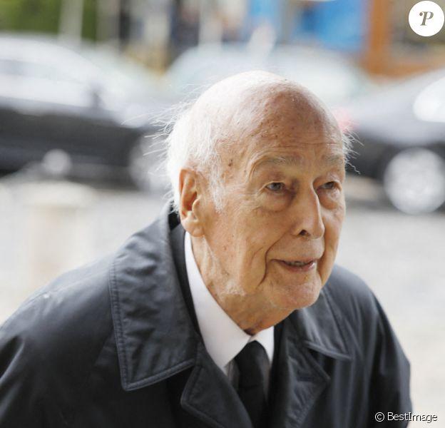 Je ne pleurerai pas la mort de Giscard qui a lancé la France dans un trou noir