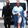 Exclusif - John Legend et sa femme Chrissy Teigen enceinte sont allés faire du shopping chez Container Store à The Grove à Los Angeles, le 15 mai 2018