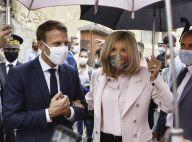Brigitte Macron rayonnante malgré la pluie et les masques, avec Stéphane Bern
