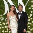 Chrissy Teigen et son mari John Legend lors de la 71ème cérémonie annuelle des Tony Awards 2017 au Radio City Music Hall à New York, le 11 juin 2017.