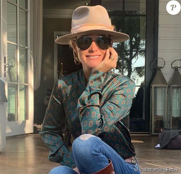 Laeticia Hallyday sur Instagram, devant sa maison de Pacific Palisades à Los Angeles. Rentrée 2020.