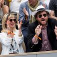 Olivier de Benoist et sa femme Caroline Menand - People dans les tribunes lors de la finale messieurs des internationaux de France de tennis de Roland Garros 2019 à Paris le 9 juin 2019. © Jacovides-Moreau/Bestimage