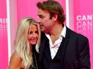 Patrick Puydebat : Baisers fougueux à sa compagne, Carole Dechantre ose les épaules dénudées