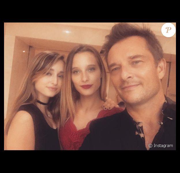 David Hallyday entouré de ses filles Ilona et Emma.