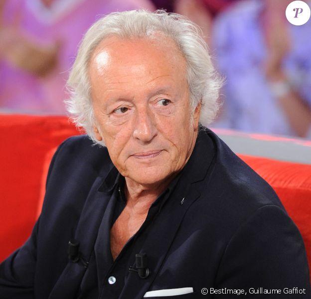 """Exclusif - Didier Barbelivien - Enregistrement de l'émission """"Vivement Dimanche"""" à Paris © Guillaume Gaffiot/Bestimage"""
