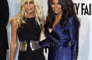 Janet Jackson oublie la mort de son frère avec sa nouvelle meilleure amie... Donatella Versace !