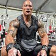 Dwayne Johnson en pleine séance de musculation. Octobre 2020.