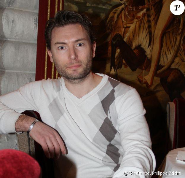 Exclusif - Fred Cauvin pose dans un restaurant à Paris, France © Philippe Baldini/Bestimage