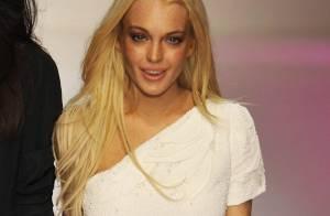 Lindsay Lohan : quand elle présente la collection Ungaro à la Fashion Week... Elle est magnifique ! Mais petite mine...