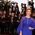 """Vahina Giocante - Montee des marches du film """"Gatsby le Magnifique"""" pour l'ouverture du 66e Festival du film de Cannes en 2013."""