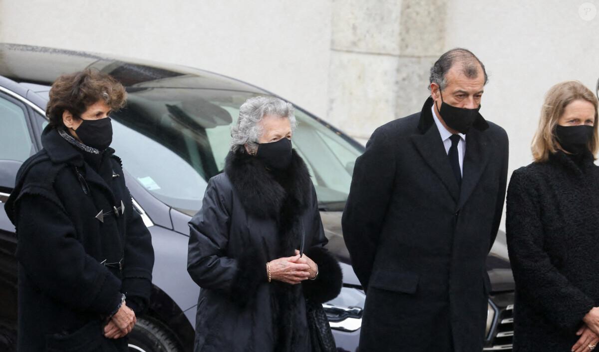 Obsèques de Valéry Giscard d'Estaing : Anne-Aymone et ses enfants dans la douleur