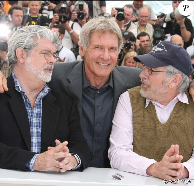 """George Lucas, Harrison Ford et Steven Spielberg au Festival de Cannes pour présenter """"Indiana Jones 4""""."""