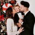 Nabilla en famille pour souhaiter un Joyeux Noël à ses fans. Décembre 2020.
