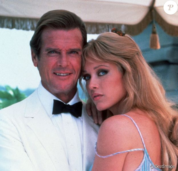 "Roger Moore et Tanya Roberts dans le James Bond ""A view to a kill"" © MGM/Entertainment Pictures/ZUMAPRESS.com / Bestimage"
