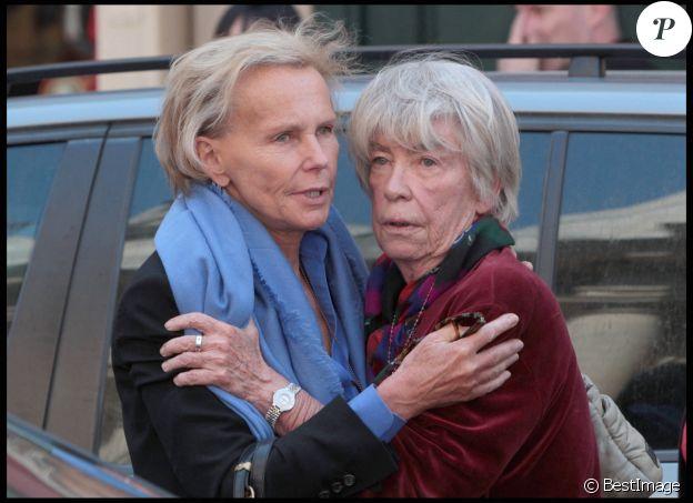 Christine Ockrent (la compagne de Bernard Kouchner) et Evelyne Pisier - Hommage à Marie-France Pisier à l'Eglise Saint-Roch à Paris en 2011.