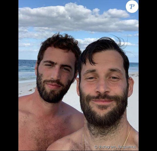 Simon Porte Jacquemus et son compagnon en vacances au Mexique.
