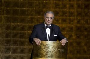 Placido Domingo : Lui aussi est lauréat du... prix Nobel ! Une vive émotion, sous le regard de sa femme... (réactualisé)