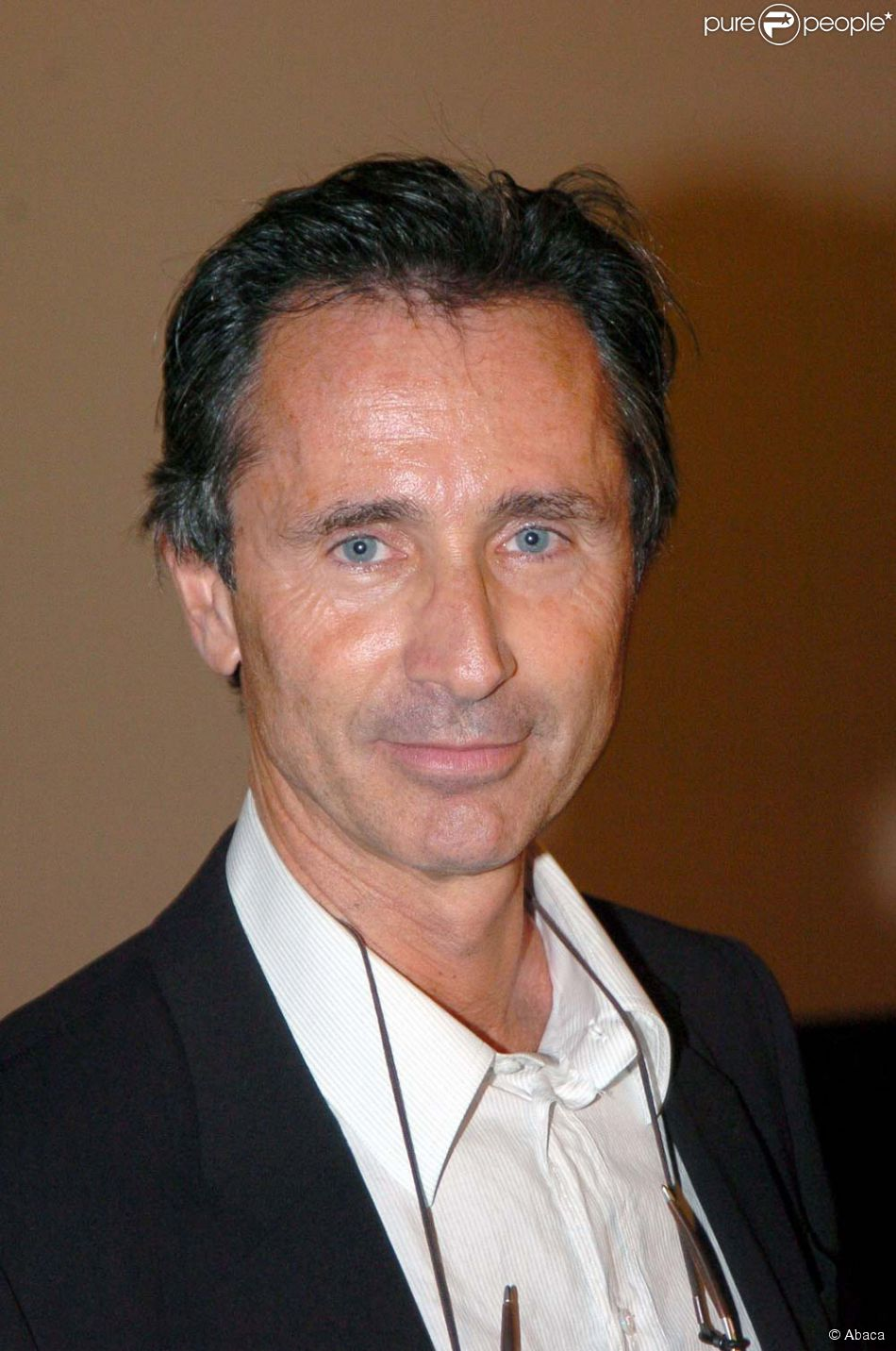 thierry lhermitte age