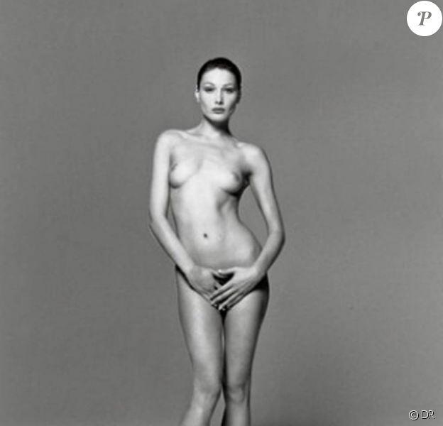 Carla Bruni par Michel Comte, en 1993.