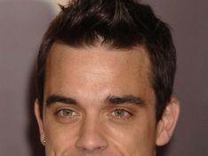 Robbie Williams au milieu des miss... Les têtes vont tourner !