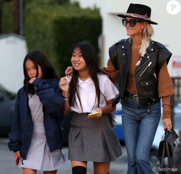 Exclusif - Laeticia Hallyday et ses filles Jade et Joy font du shopping à Santa Monica.