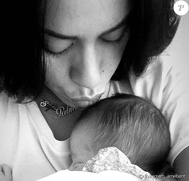 Fière maman, la chanteuse Amel Bent a partagé des photos et vidéos de sa fille Sofia sur Instagram pour son 5e anniversaire.
