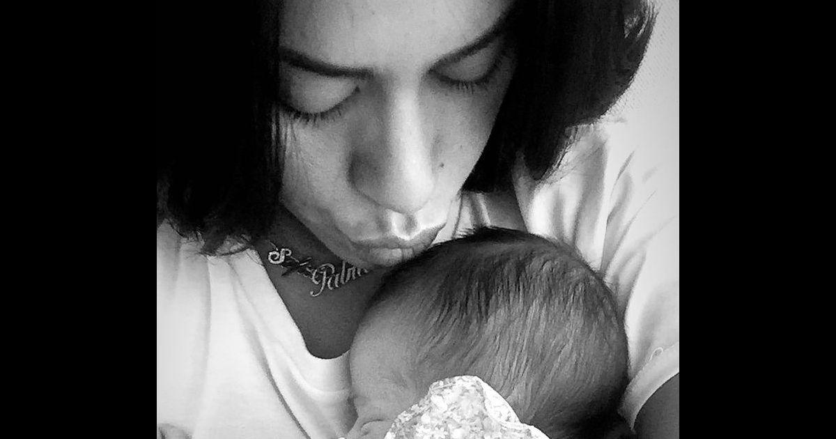 Amel Bent : Trop fière, elle dévoile des photos et vidéos de Sofia pour ses 5 ans - Pure People